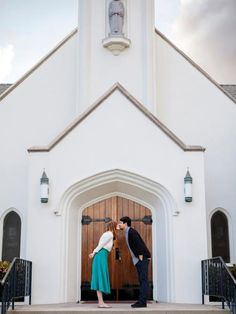 """We're going to the chapel and we're gonna get ma-aa-aa-rr-ii-e-d!"" For those of you who are planning to say your vows in a church; take super cute photo of the two of you out in front."