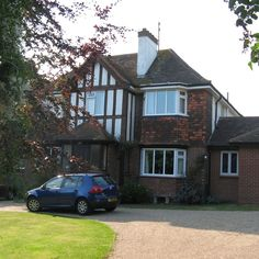 House Sit in #Brighton #UK! One of the nicest places in England, and you could stay in this huge house rent-free! See more details here: http://www.travellingweasels.com/2015/04/house-sitting-opportunities.html