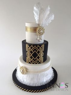 Beautiful Great Gatsby inspired cake. This would be perfect for a 1920s themed birthday party!