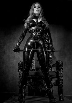 Beautiful girls in latex, bondage, and too much makeup! Black Leather Gloves, Leather Corset, Leather Harness, Leather Pants, Leather Lingerie, Female Supremacy, Latex Catsuit, Latex Girls, Sexy Latex