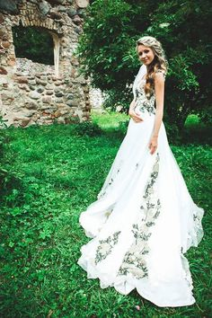Sewing of wedding dresses according to individual design Colored Wedding Gowns, Dream Wedding Dresses, Beautiful Dresses, Nice Dresses, Prom Dresses, Yes To The Dress, Wedding Styles, Wedding Ideas, Rose Wedding