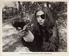 Christina Lindberg in Thriller - A Cruel Picture / They Call Her One Eye (Bo Arne Vibenius, 1974)