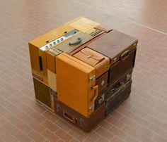 艺术家Michael Johansson(www.michaeljohansson.com),1975年出生于瑞典,他的一系列装置艺术作品可以说是强迫症患者们的福音~