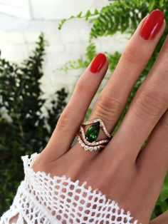 gold and diamond curved double band chrome green tourmaline ring – Luna Skye Diamond Cluster Ring, Halo Diamond, Rose Gold Engagement Ring, Vintage Engagement Rings, Mein Style, Unique Rings, Fine Jewelry, Jewellery, Jewelry Rings
