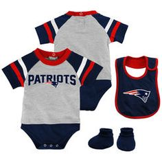 New England Patriots Majestic Infant Little Player Creeper, Bootie & Bib Set – Gray
