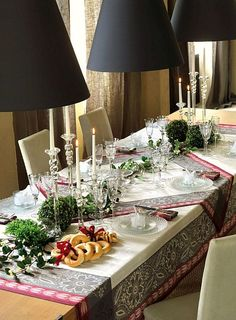 Le Jacquard Francais table linens for the holidays