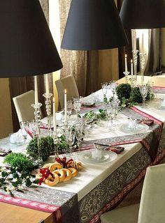 Le Jacquard Francais table linens for the holidays