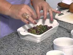 Culinária Judaica: Azeitonas assadas - YouTube                                                                                                                                                                                 Mais Comida Israeli, Israeli Food, Comida Judaica, Israeli Recipes, Green Beans, Chips, Vegetables, Cooking, Kitchen