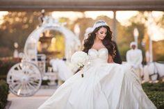The Disney Bride and her Prince - Disney wedding - Princess. Stunning Walt Disney bride in a princess Disney castle. Bride to be Wedding Show, Dream Wedding, Wedding Hair, Summer Wedding, Wedding Stuff, Glamour, Bridal Shower Attire, Selfies, Fairytale Weddings