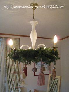 Tassel Decoration ・・タッセルの使い方=シャンデリア&リース&タッセル・・・2010年クリスマスフェア・・・「Chez Mimosa」       http://passamaneriavermeer.blog80.fc2.com/         ~Tassel&Fringe&Soft furnishingのある暮らし~      フランスやイタリアのタッセル・フリンジ・ファブリック・小家具などのソフトファニッシングで、暮らしを彩りましょう