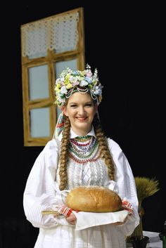 Regional costume from Lublin, Poland. Outfit of a bride. Folk Costume, Costumes, Polish People, Visit Poland, Polish Folk Art, Beautiful Little Girls, Ethnic Dress, My Heritage, Traditional Outfits