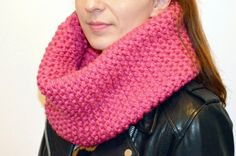 Knit for beginners, free and easy model: maxi snood in point moussse (. Easy Knitting, Knitting For Beginners, Easy Model, Big Knit Blanket, Jumbo Yarn, Big Knits, String Bag, Stockinette, Garter Stitch