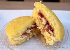Review: Victoria Sponge Cake at Yorkshire County Fish Shop in Epcot's UK Pavilion