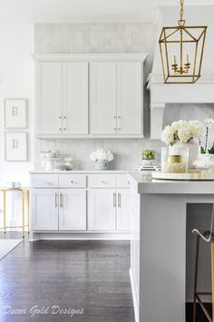 Ready to have your home back after the holidays? Here is some inspiration via a winter home tour by Jennifer of Decor Gold Designs. Kitchen Inspirations, Home Decor Kitchen, Replacing Kitchen Countertops, Kitchen Redesign, Kitchen Remodel, Kitchen Decor, Kitchen Cabinet Remodel, New Kitchen, Kitchen Renovation