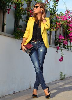 OOH love the yellow blazer! Love bright yellow in the spring and summer. I usually pair it with white or navy but I like how it goes so well with this black shirt! 18 Cool Ways How To Wear Blazers For This Fall - Nadyana Magazine Fashion Mode, Look Fashion, Autumn Fashion, Womens Fashion, Fashion Trends, Lolita Fashion, Fashion Tips, Mode Outfits, Fall Outfits