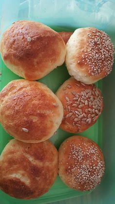 Gluten-free breakfast rolls, a very nice recipe from the category Fri … – Rezepte – Finger Food Healthy Meals For Two, Easy Healthy Recipes, Gluten Free Recipes, Pains Sans Gluten, Lactose Free Diet, Paleo Meal Plan, Dieta Paleo, Lunch To Go, Gluten Free Breakfasts