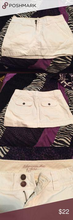 Abercrombie and Fitch white mini skirt Abercrombie and Fitch White Mini Skirt - size 0 Abercrombie & Fitch Skirts Mini