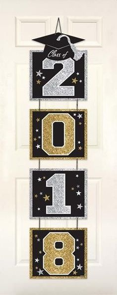 ​This Glitter Vertical Grad Door Decoration will be a perfect addition to your indoor decorations at the graduation party. Graduation Crafts, Graduation Party Planning, Kindergarten Graduation, Graduation Decorations, Graduation Party Decor, School Decorations, Grad Parties, Balloon Decorations, Diy And Crafts
