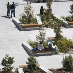 The project presented consists of the urbanization works of Plaza de Santo Domingo in Madrid