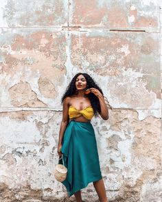 Havana Ooh Na Na — Asiyami Gold - ♡ Ƒօӏӏօա ʍҽ ƒօɾ ʍօɾҽ թins yօu'ɾҽ ցօnnɑ ӏօѵҽ ♥️ Source by - Black Girl Fashion, Look Fashion, Fashion Outfits, Fashion Tips, Womens Fashion, 70s Fashion, Fashion History, Fashion Clothes, Spring Fashion