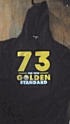 f53b1bf73 Golden State Warriors Adult black hoodie xl with gold graphics   Smartexandfrootoftheloom  hoodieandcrewneck  Everyday