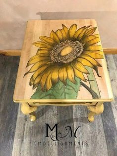 Simple DIY Furniture Makeover and Transformation Do It Yourself Furniture, Do It Yourself Home, Painted Chairs, Painted Furniture, Refurbished Furniture, Rustic Furniture, Diy Furniture, Furniture Design, Upcycled Furniture