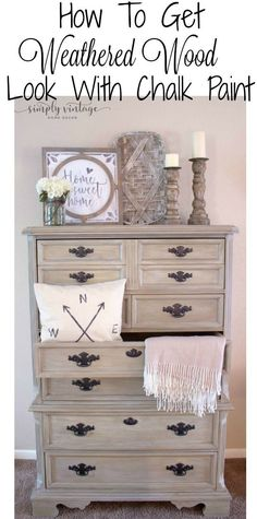 diy furniture ideas easy Farmhouse Dresser Makeover- Learn how to get a weathered wood look using chalk paint. This look is by far one of my favorites; it not only screams country style, but its so easy to achieve that its addicting. Diy Dresser Makeover, Bedroom Furniture Makeover, Refurbished Furniture, Farmhouse Furniture, Farmhouse Decor, Dresser Makeovers, Chalk Painted Furniture, Chalk Paint Dresser, Farmhouse Dressers