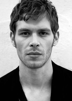 joseph morgan...those lips are so yummy!