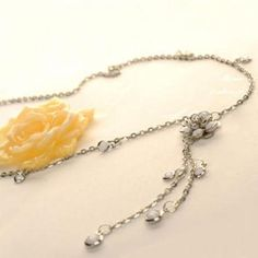 Flower Necklace Silver - One Size