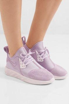 Sneaker 'LunarCharge' von Nike, 126 €, gesehen auf net-a-porter.com