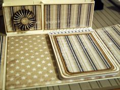 Today I am going to show you how you make a stationary box. You can put what ever you want in this box, cards, notepads, pencils and everyt. Paper Art, Paper Crafts, Stationary Gifts, Crafts To Do, 3 D, Projects To Try, Decorative Boxes, Stationery, Scrapbooking
