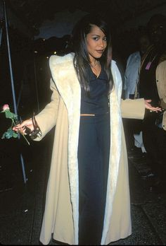 """Photo of Aaliyah @ 1997 """"A Gift of Song: Music for UNICEF"""" Concert for fans of Aaliyah 19172365 Rip Aaliyah, Aaliyah Style, Aaliyah Outfits, My Black Is Beautiful, Beautiful People, Aaliyah Haughton, Victoria, Her Music, 90s Fashion"""