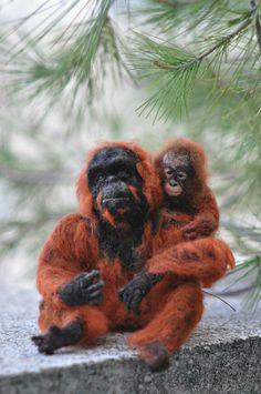 needle-felted-animal-orangutan-mother