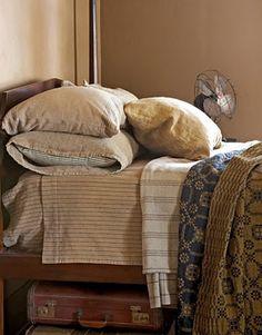 Brown Bedroom Farmhouse Style - Rustic Home Decor - Country Living Primitive Bathrooms, Primitive Homes, Primitive Country, Primitive Antiques, Primitive Decor, Home Bedroom, Bedroom Furniture, Bedrooms, Furniture Decor