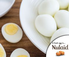 Peeling eggs is a hassle sometimes. Lower your eggs straight from the fridge into already-boiling water. When they're done, let them chill in cold water for at least 15 minutes and then peel. #Nulaid #Lifehack