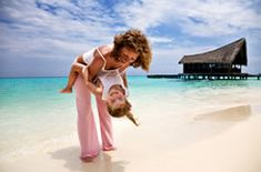 Single parent travel tips - some ideas for getting the most out of your family vacation as a solo parent.  / Colleen at WrapsodyBaby.com