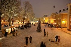 Christmas market, Turku Finland    Google Image Result for http://www.theepochtimes.com/n2/images/stories/large/2008/12/24/Turku_Weihnachten__2__web.jpg