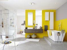 Jaune citron pour une salle de bains graphique