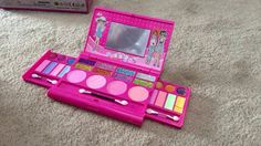 Little Girls Makeup Set Reviewed for free Available: https://www.amazon.com/Princess-Deluxe-Makeup-Palette-mirror/dp/B015RRBDME