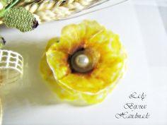 Spilla con fiore Papavero giallo fatto in Sospeso Trasparente bijoux idea regalo, by Lady Bijoux Handmade, 9,00 € su misshobby.com