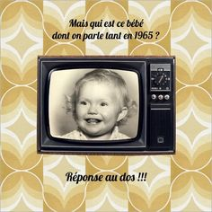 """Carte d'invitation anniversaire personnalisable """"Qui est ce bébé ?"""". Disponible en 4 formats (pliés ou non) à partir de 0.62€ sur Popcarte.com"""