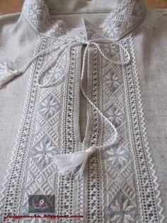 Diy Embroidery Patterns, Hardanger Embroidery, Embroidery Stitches, Sleeves Designs For Dresses, Sleeve Designs, Kurta Men, Mens Kurta Designs, Sewing Blouses, Funky Dresses
