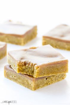 Pumpkin Spice Latte Blondies Recipe ~ Rich, dense, never cakey pumpkin blondies covered in a spiced coffee brown sugar glaze -- the perfect fall dessert! Get your Pumpkin Spice Latte fix on the go!:
