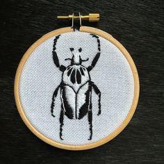 Een persoonlijke favoriet uit mijn Etsy shop https://www.etsy.com/nl/listing/496048495/embroidery-hoop-goliath-beetle