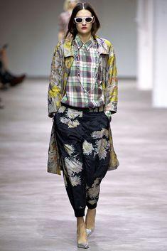 Dries Van Noten Spring 2013 Ready-to-Wear Fashion Show - Maria Bradley