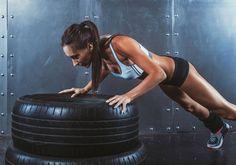 Com esse treino, que dá para fazer em casa, você vai conseguir todos os benefícios: emagrecer, melhorar o condicionamento e definir o corpo