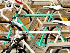 Cu bicicleta prin oraş / Parcări cu stil - igloo.ro