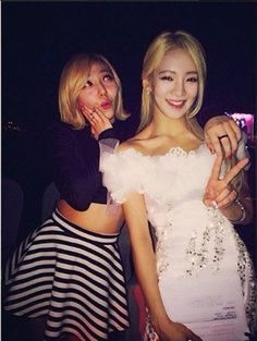 Hyoyeon and miss A's Min show off their friendship   http://www.allkpop.com/article/2014/03/hyoyeon-and-miss-as-min-show-off-their-friendship