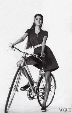 Vogue, 1971 Bicycle Women, Bicycle Race, Bicycle Girl, Bike Rides, Irving Penn, Cycling Girls, Cycling Art, Cycling Quotes, Cycling Jerseys