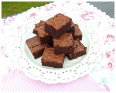 Heute möchte ich euch gerne mal mein liebstes Brownie-Rezept vorstellen. Auf die Suche danach habe ich mich schon vor ein paar Jah...